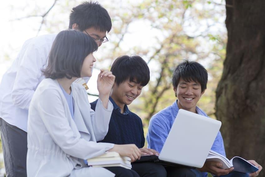 学生のアクション